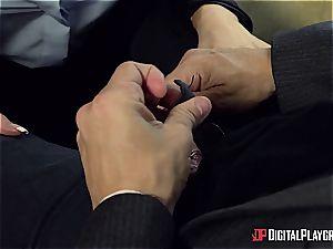 Sly super-bitch Jasmine Jae deals with a dangerous bone