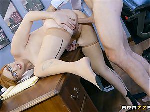 boner hungry Lauren Phillips porked in her ginger cooch