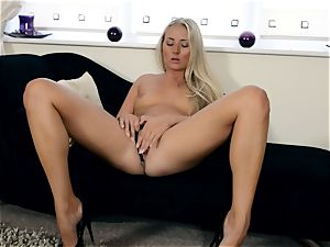 Cayla Lyons nude getting off time