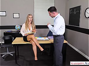 The greatest lecturer Nicole Aniston wants pipe for her blessing